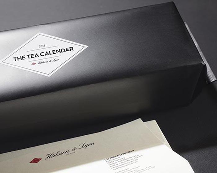 Изящная упаковка необычного календаря.