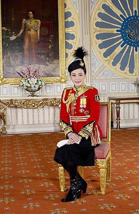 Сутхида стала женой нынешнего короля Таиланда 1 мая 2019 года.