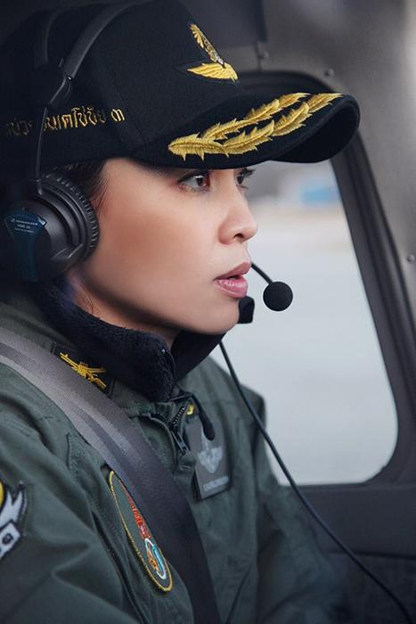 Сутхида получила звание генерал армии через шесть лет службы.