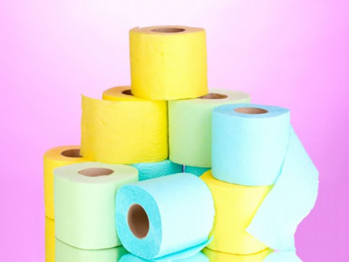 Разноцветная туалетная бумага.