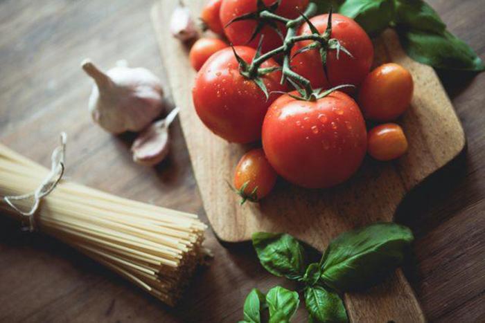 Долгое время томаты считали ядовитыми.