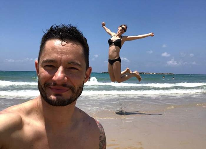 В свой медовый месяц пара отправилась в Тель-Авив.