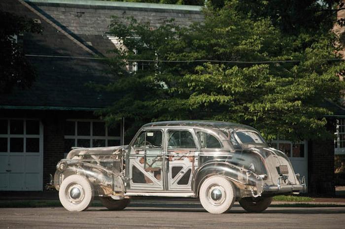 Понтиак Deluxe Six Ghost Car 1939 года выпуска.
