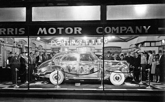 Ghost Car на выставке в Нью-Йорке.