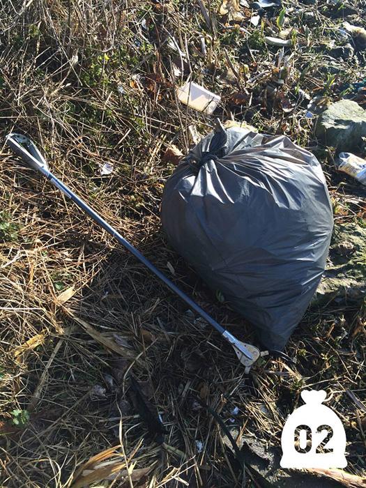 Второй мешок: Томми решил каждый день собирать по мешку мусора.