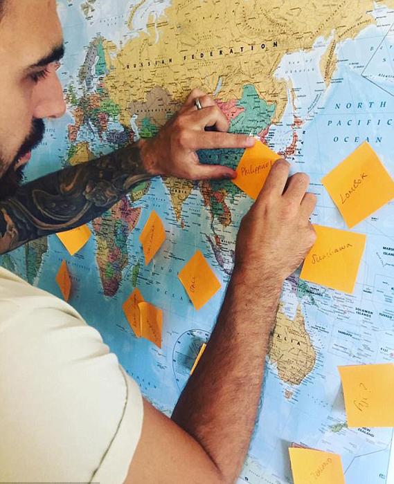В ближайшие 8 месяцев Фишеры планируют путешествовать по Азии и Океании.