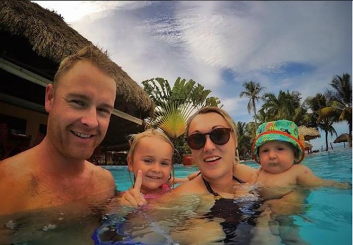 Семейное селфи. Instagram travelmadmum.