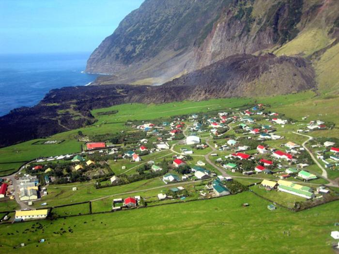 Поселение на острове Тристан-да-Кунья.