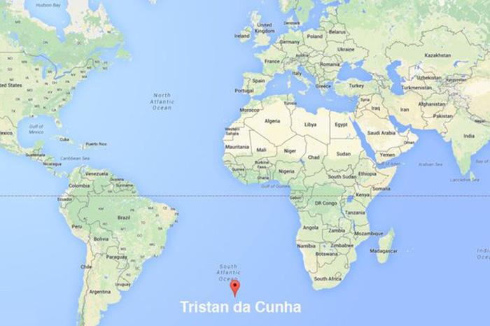 Остров находится в Атлантическом океане.