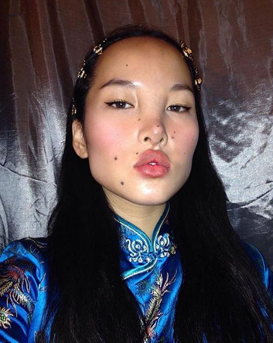 Девушка только-только начала свою карьеру, но уже снялась для Christian Dior. Instagram tsunaina.