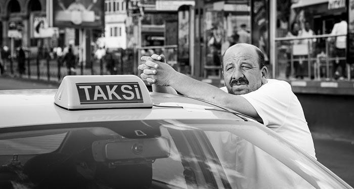 Таксист в Турции.