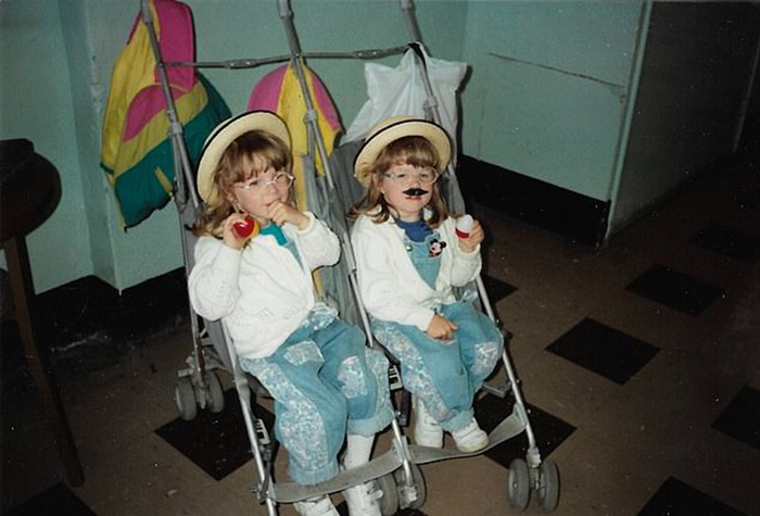 Рози и Спадж в детстве.