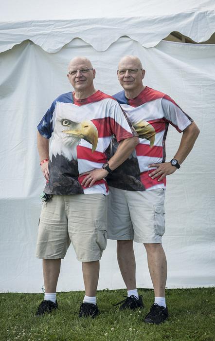 Джери и Джон Старретт - американцы.