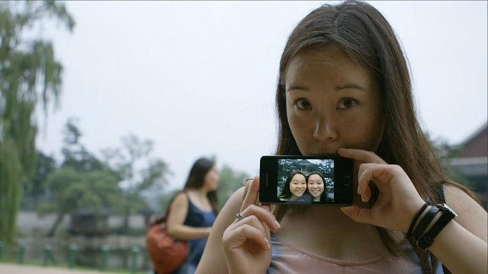 Средства на фильм Twinsters девушки получили из пожертвований неравнодушных людей.
