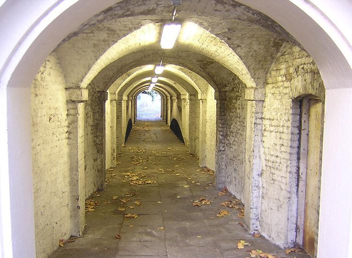 «Nursemaids' Tunnel».
