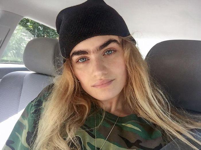 Греческая студентка и модель София.