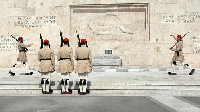 Могила Неизвестного Солдата в Афинах.