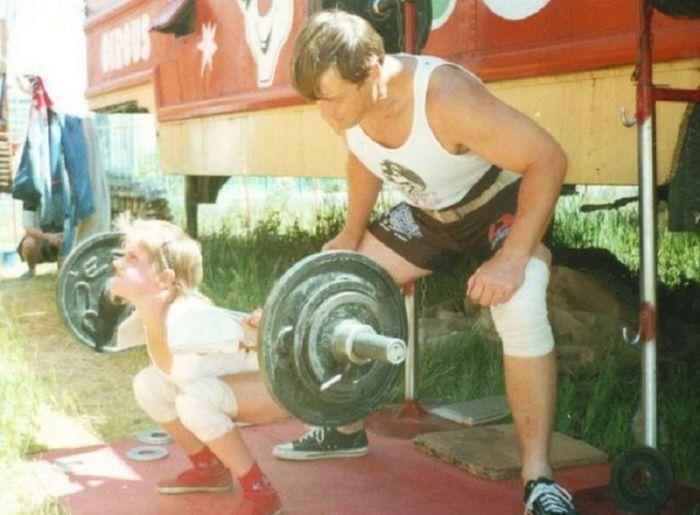 Папа тренировал Варю с младенчества.