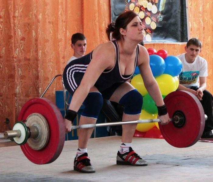 Варвара не оставляет тяжелую атлетику в стороне, просто превратила ее из главного занятия в свое хобби.