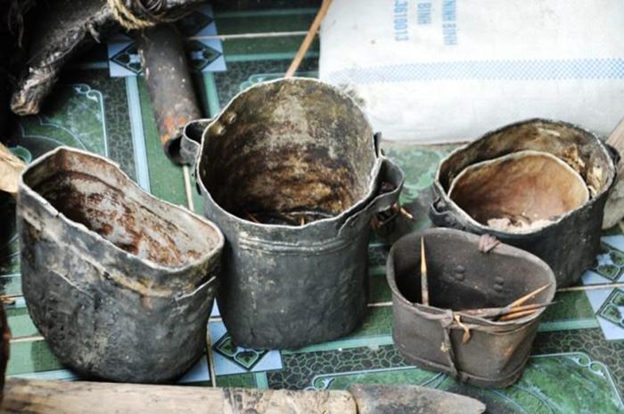 Котелки, сделанные из снарядов, которыми пользовались Танг и Ланг.