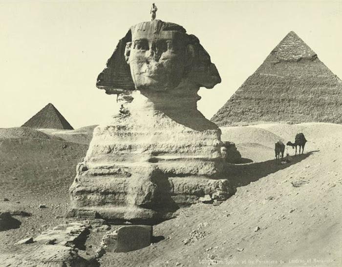 Сфинкс и пирамиды Хафры и Менкаура.