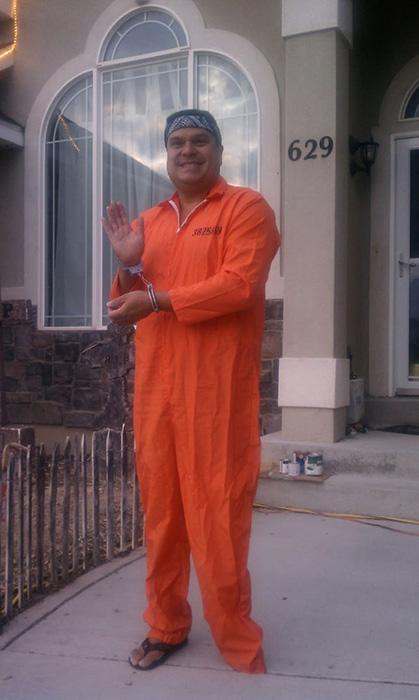 Папа-заключенный.