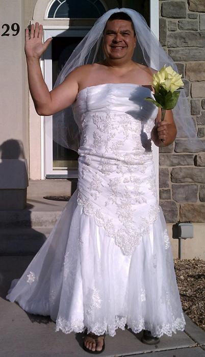 То самое свадебное платье, с которого все и началось.