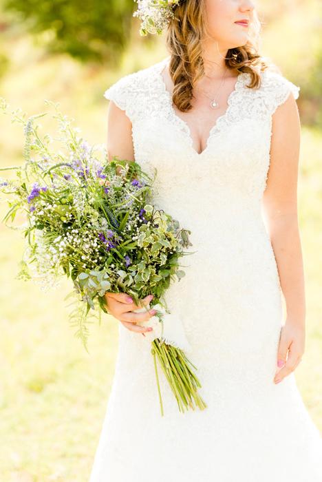 Ханна в свадебном платье. Фото: Holly Gannett.