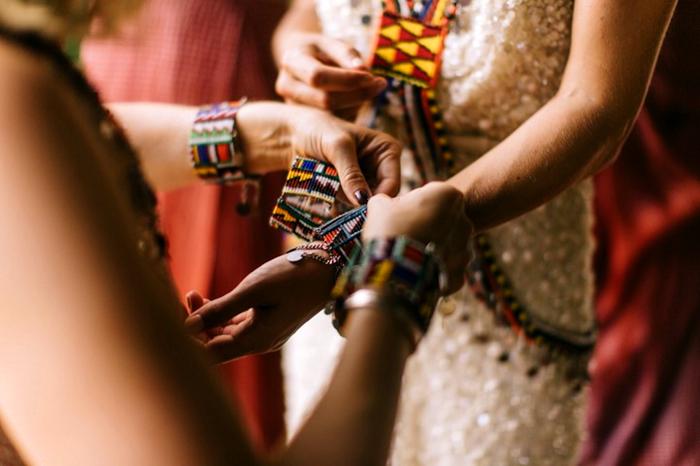 Свадебные украшения племени Маасаи.