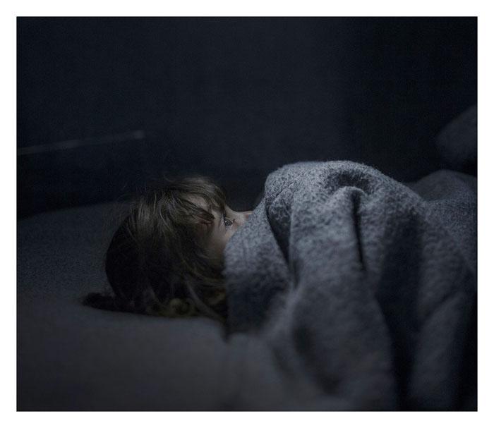 Фара, 2 года. Спит в городе Азрак, Иордания.