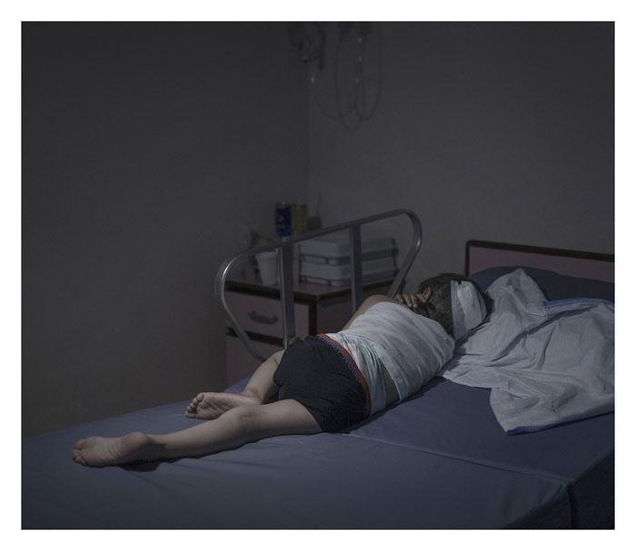 Мойад, 5 лет. Спит в госпитале Аммана, Иордания.