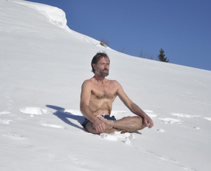 На счету Вима Хофа 26 мировых рекорда, и все они связаны с экстремальным холодом.