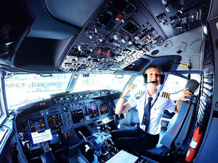Инстаграм девушки-пилота из Швеции.