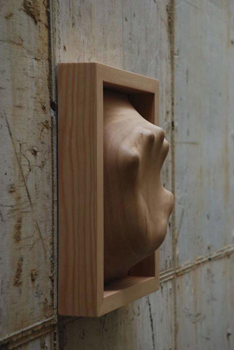 Часть скульптурной композиции *Автопортрет* Тунг Минг-Чина.