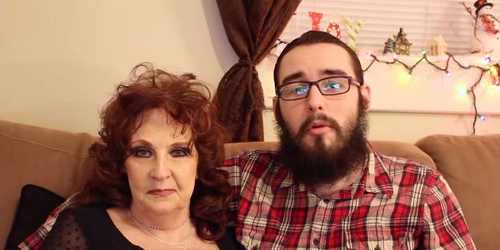 Пара завела свой канала на YouTube.