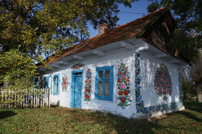 Расписной дом в деревне Залипье.