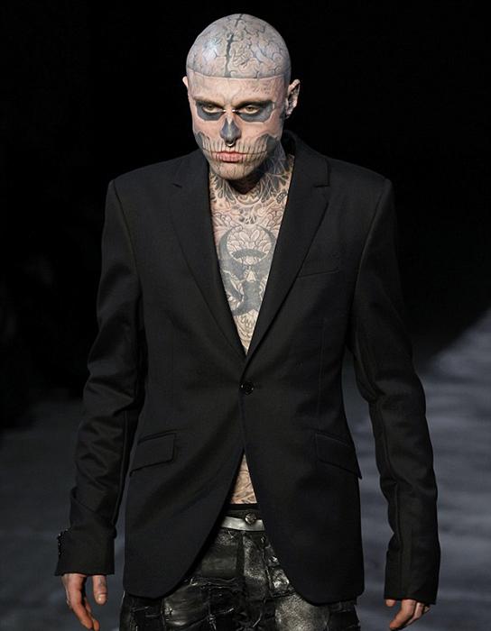 Рик был самой татуированной моделью в мире моды.