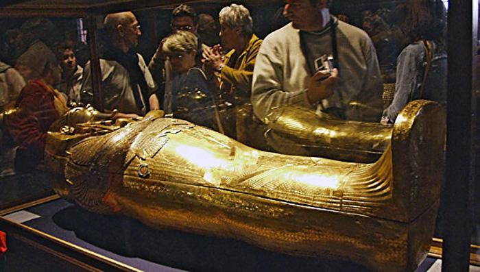 После смерти Тутанхамон оказался полезнее, чем при жизни.