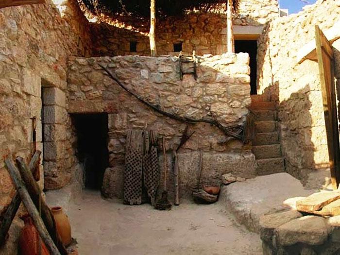 Здесь жил Иисус? Обнаруженные в доме предметы позволяют предположить, что это была домашняя постройка.