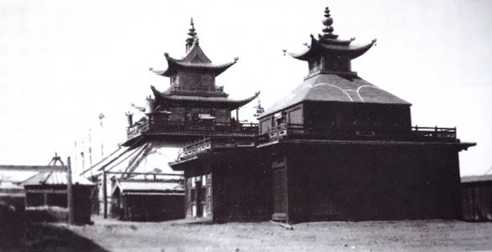 Жёлтый дворец Богдо-Хана, разрушенный в 1930 годах.