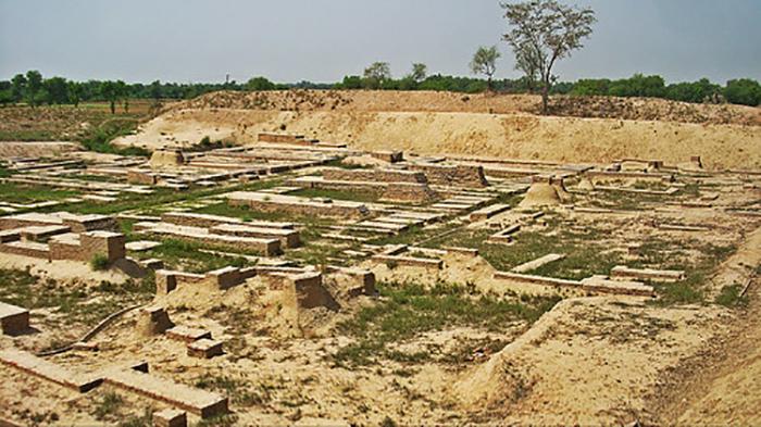 Цивилизация Хараппа постепенно деградировала.