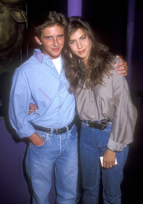 Чарли Шлаттер и Дженнифер Энистон в 1990 году.