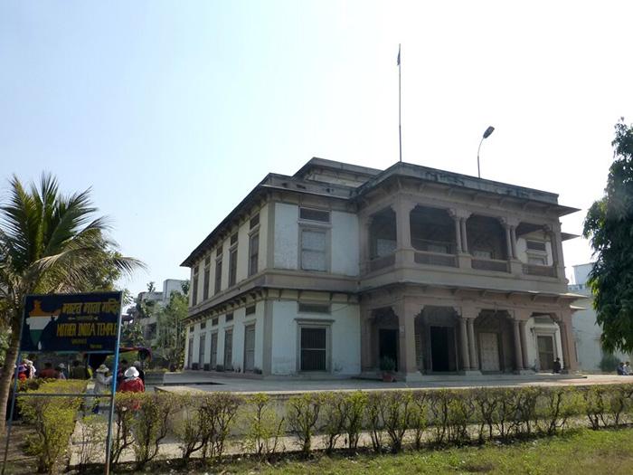 Бхарат Мата Мандир.