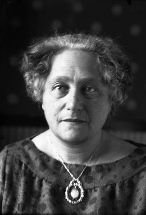 Эльза Эйнштейн Ловенталь, вторая жена Эйнштейна.