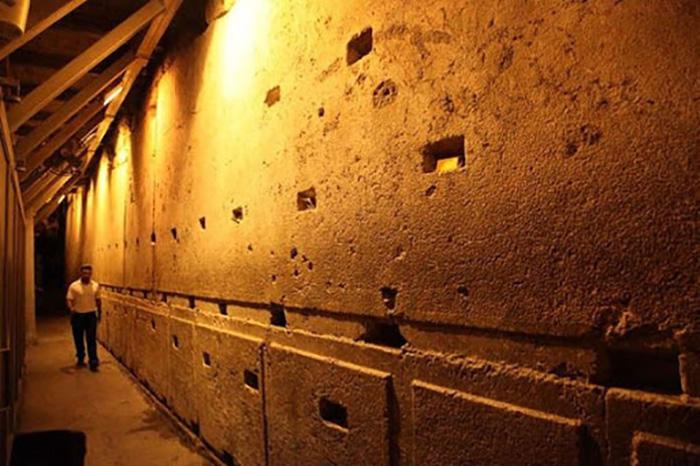 Тоннель Западной Стены.