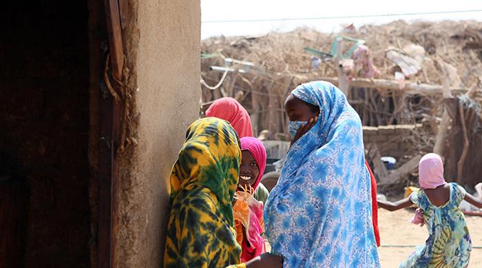 В лагерях для временно перемещённых лиц большинство женщины и они находятся в потенциальной опасности.