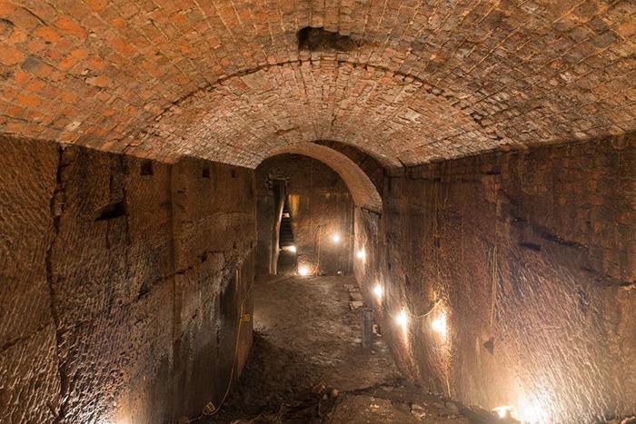 Тоннели тянутся многие километры под землёй.