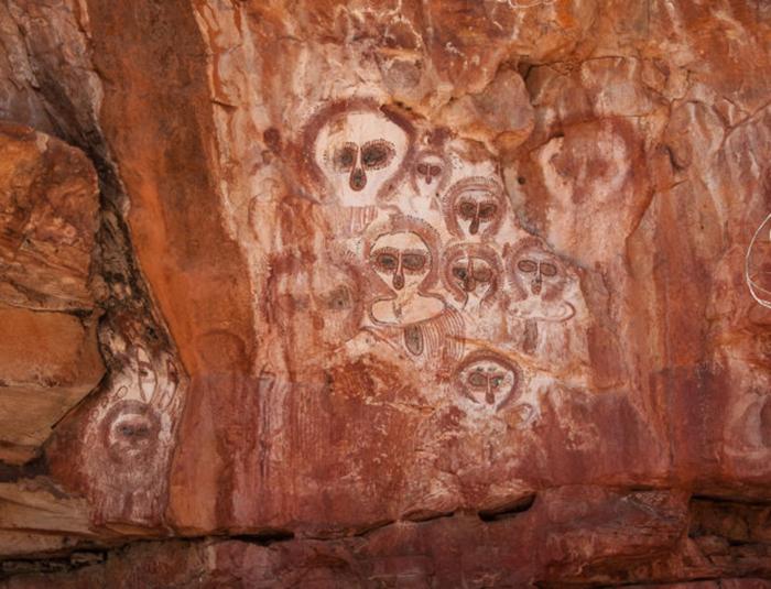Пиктограммы аборигенов в ущелье Вуннумурра, Кимберли, Западная Австралия.