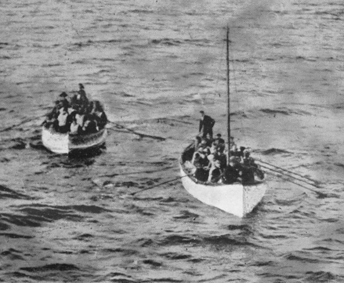 Шлюпки с пассажирами «Титаника».