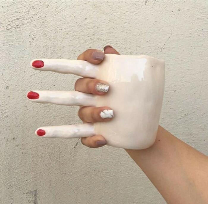 Если вы чувствуете себя одиноким и вам нужна рука, чтобы подержать, эта чашка для вас!